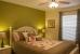 41-queenbedroom